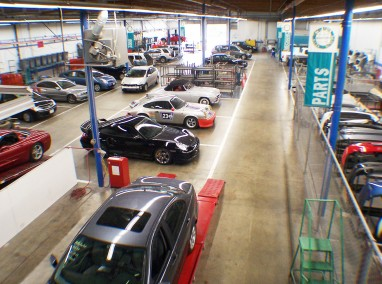 Indoor collision repair production area, Bodytech, Ventura